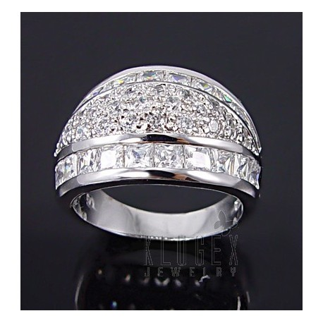 Sterling Silver Ring w CZ Size 6