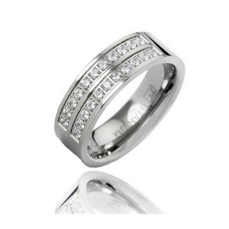 Titanium Wedding Band Ring w CZ Size 8