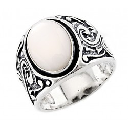 Southwestern Sterling Silver Ring with Mother of Pearl